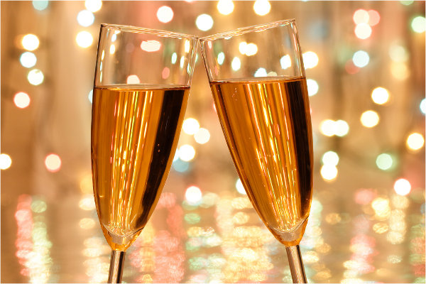 toasting to travel in 2016